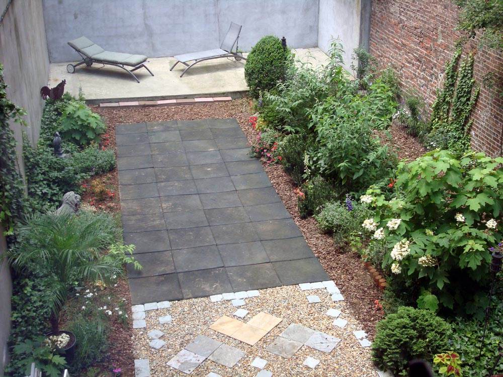 Gardens by robert urban townhouse backyard spaces for Townhouse garden design ideas